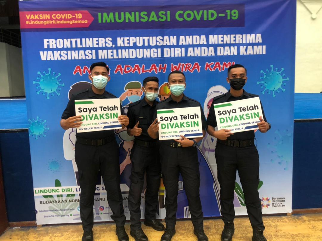 Suntikan Imunisasi COVID-19